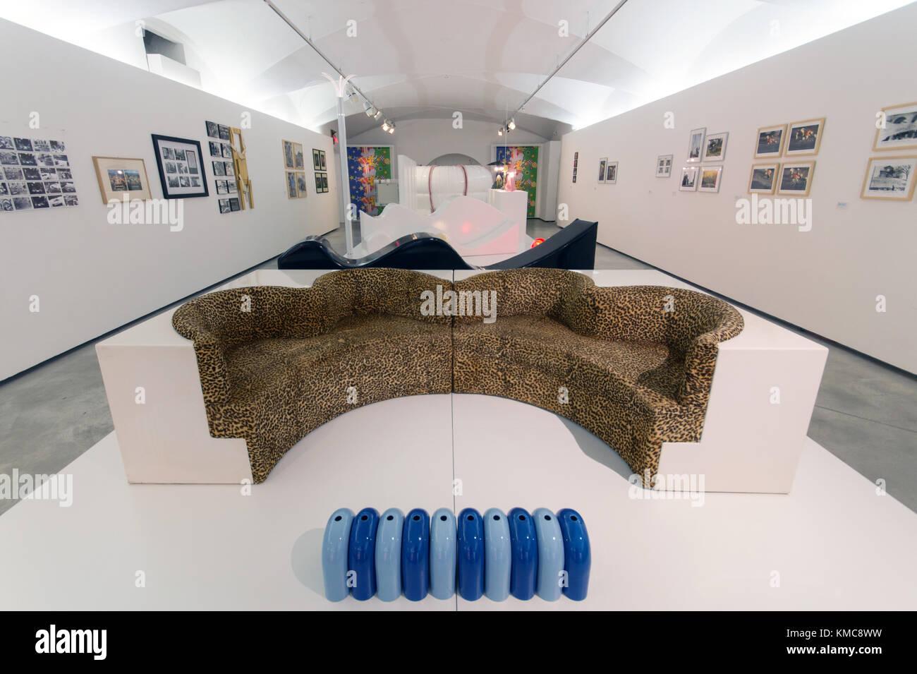Design Di Mobili Italiani : Divano letto safari da archizoom associati branzi