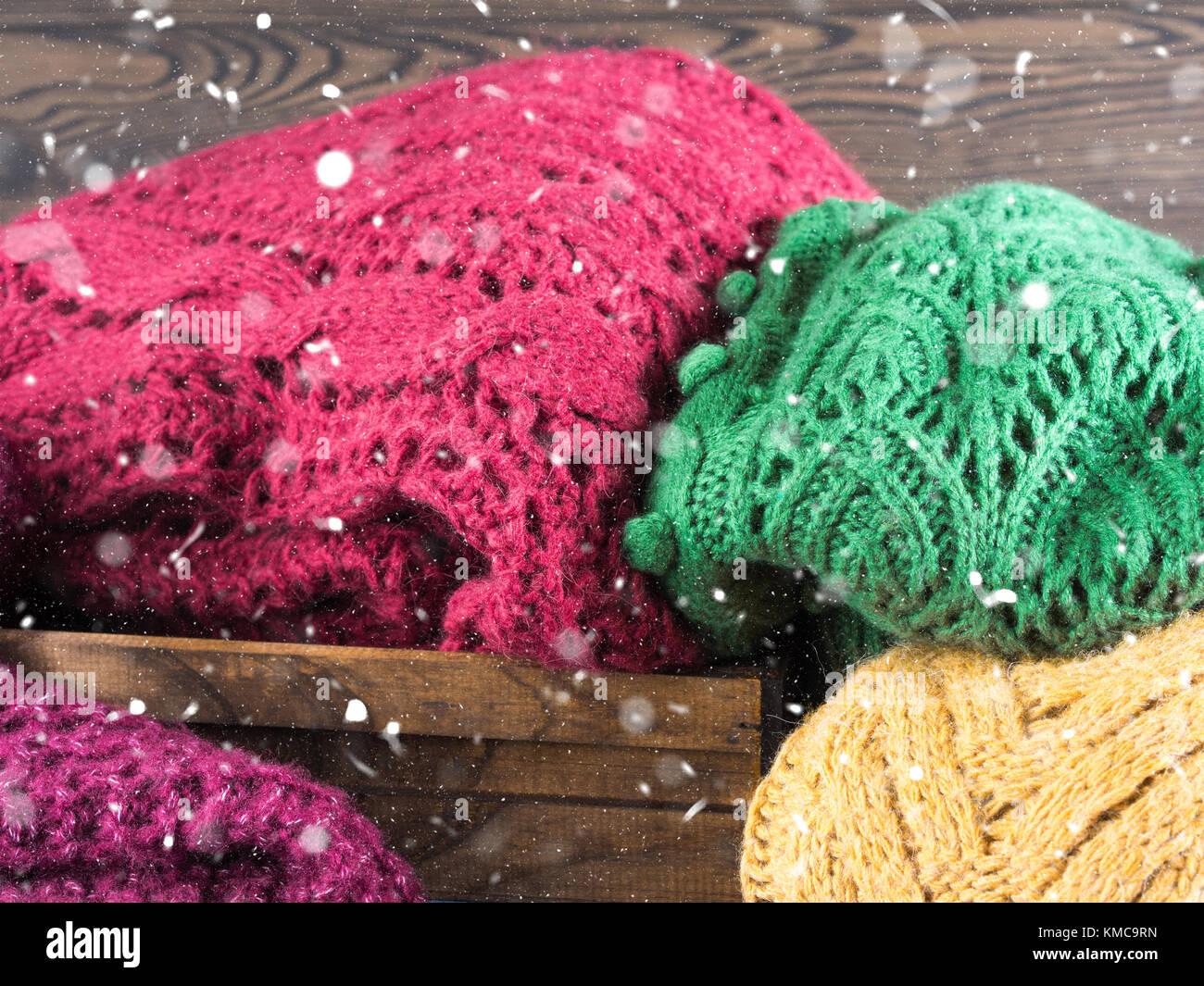 new concept 0ce21 b568c Inverno womans i maglioni di lana. le ragazze in maglia ...