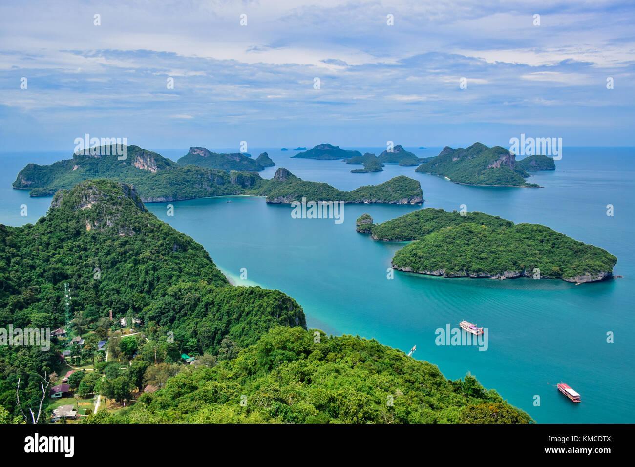 Bellissimo paesaggio marino di Ang Thong Island National Marine Park vicino a Samui Island, Thailandia, una delle Immagini Stock