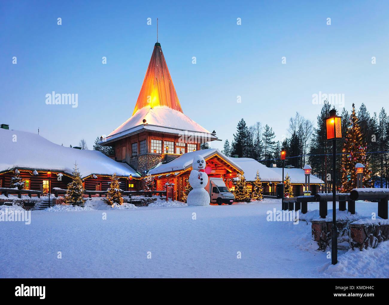 Rovaniemi Lapponia Babbo Natale.Pupazzo Di Neve A Santa Ufficio Presso Il Villaggio Di Babbo