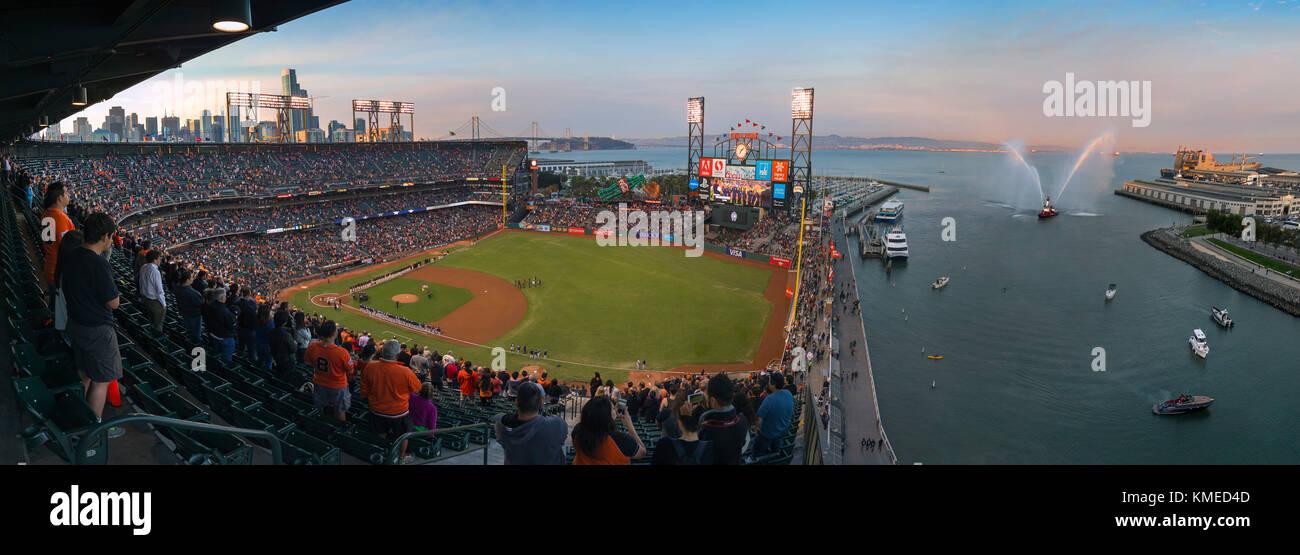 Baseball Park con il pubblico di San Francisco, California, Stati Uniti d'America Immagini Stock