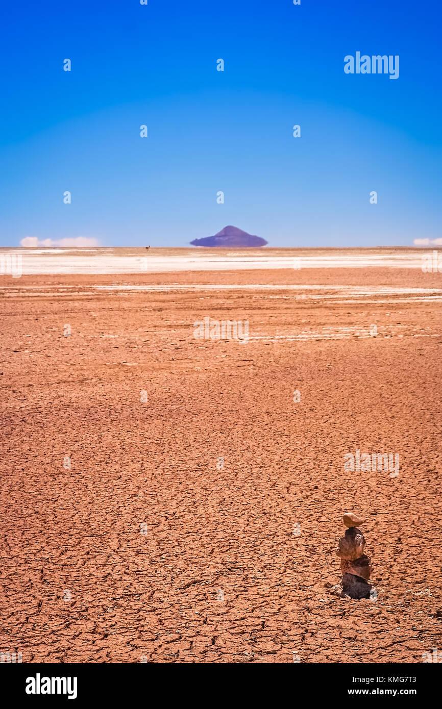 Secco e desolato paesaggio vicino Salar de Uyuni nella parte meridionale dell'altipiano della Bolivia, Bolivia, Immagini Stock