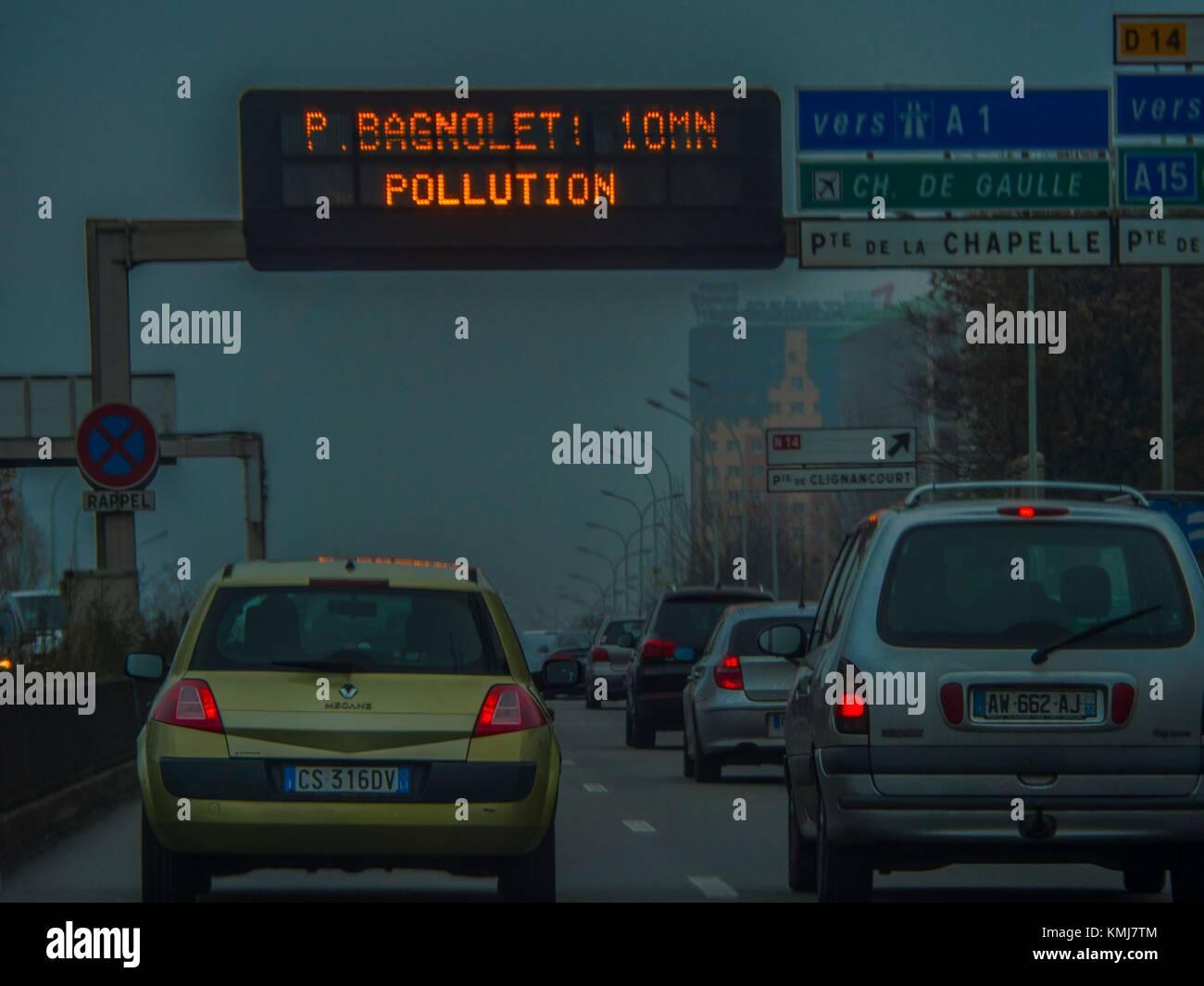 La Francia. Parigi. L'inquinamento Immagini Stock