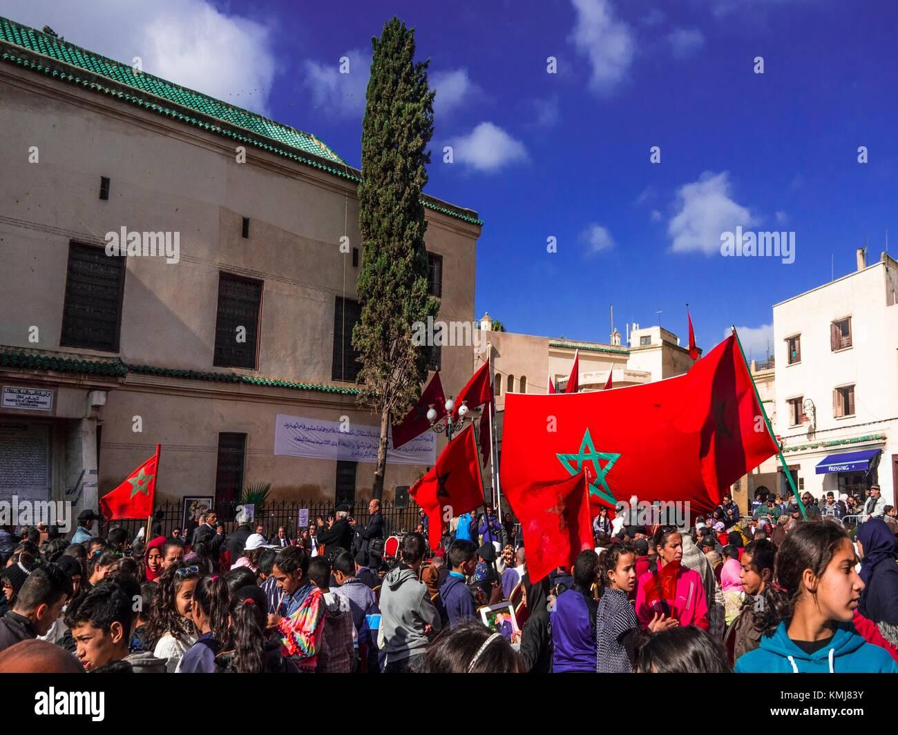 Il Marocco, Fes, Place Batha a Fes: 11 th. di gennaio ''Aïd El Watan'' rally ( il giorno in Immagini Stock