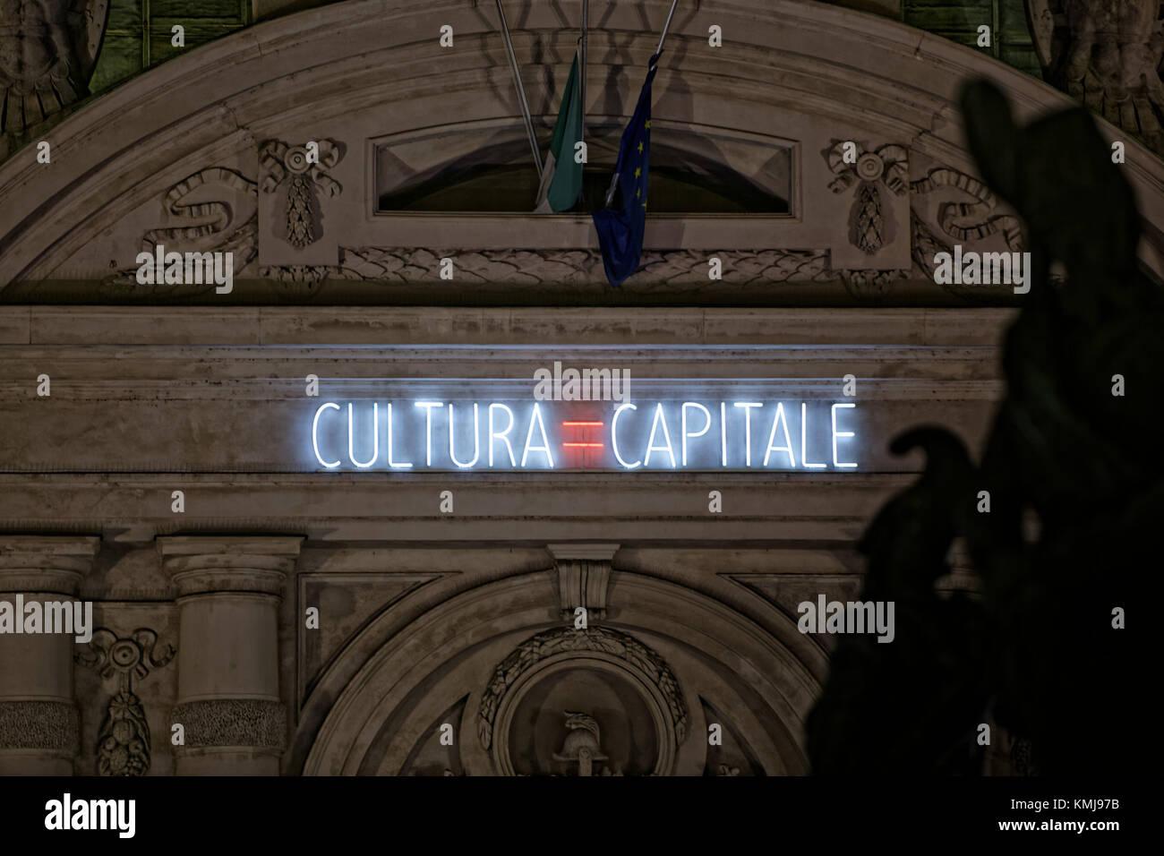 Torino, Italia. Luci d'artista (artista luci). Illustrazione: Cultura=Capitale, Alfredo Jaar Immagini Stock