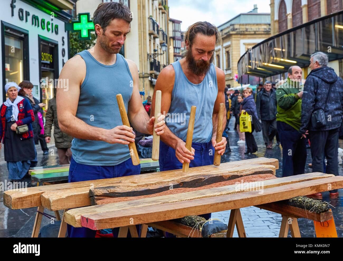 Txalaparta (Paesi Baschi in legno tipico strumento a percussione), Feria de Santo Tomás, la festa di San Tommaso Immagini Stock
