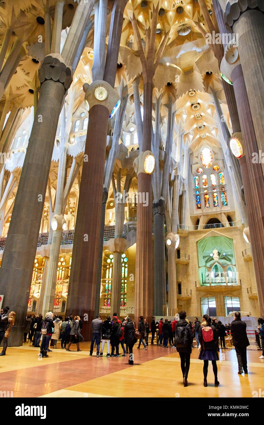 La chiesa della Sagrada Familia, dall'architetto Antoni Gaudi, quartiere Eixample, Barcellona, in Catalogna, Spagna Foto Stock