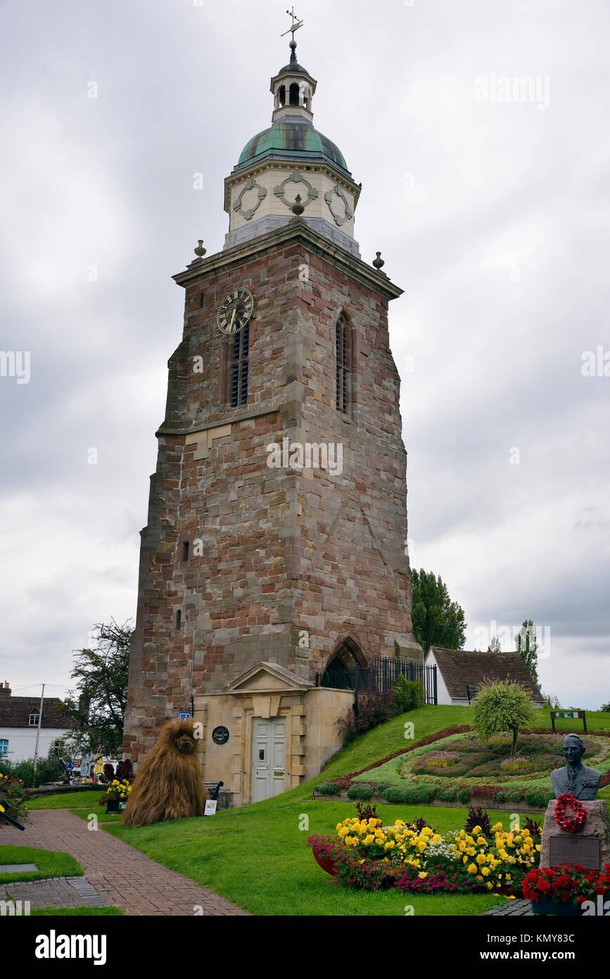 La vecchia chiesa di San Pietro e di san Paolo con Pepperpot campanile, Upton su Severn, Worcestershire Foto Stock