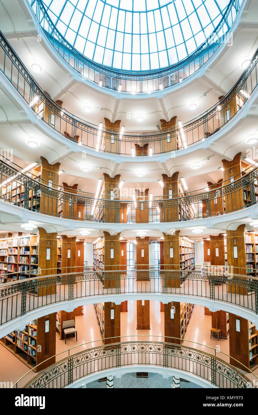 Helsinki, Finlandia. Interno della Biblioteca nazionale della Finlandia. Immagini Stock