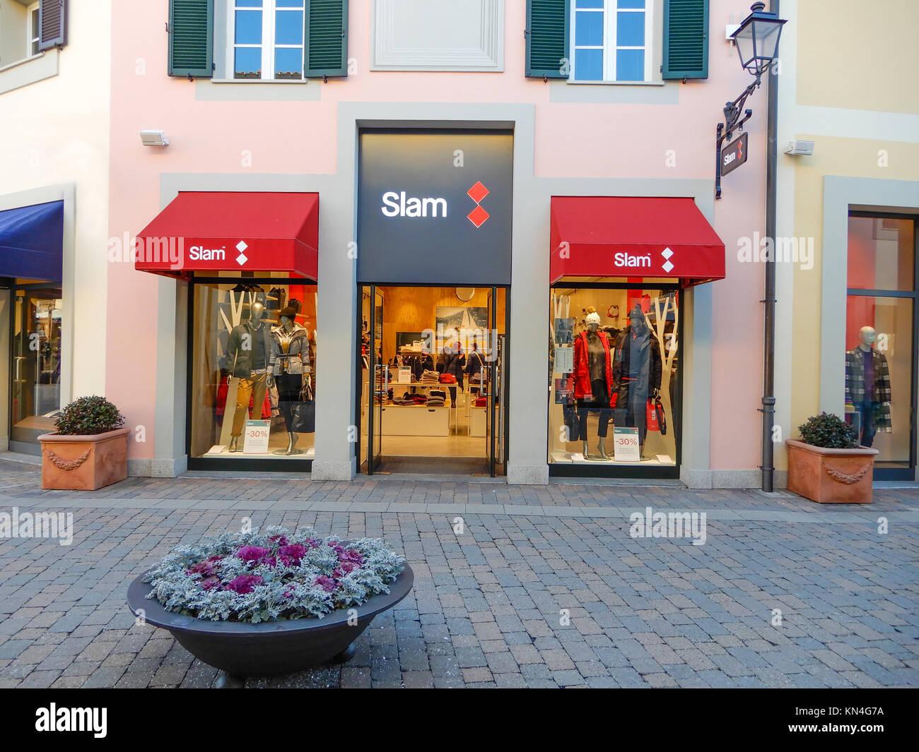 Milano, 5 dicembre 2017 - Vista del negozio di marca Slam ...