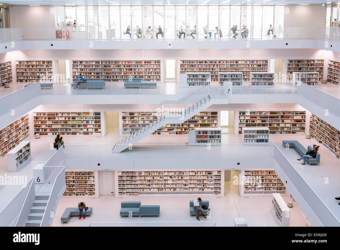 Città di stoccarda interni della libreria moderna architettura