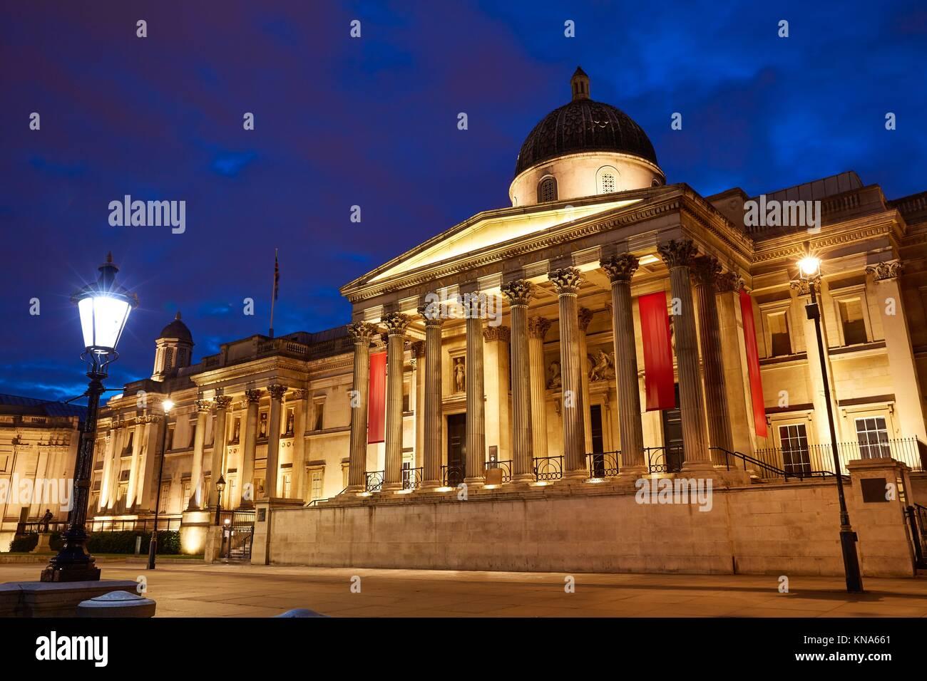 Londra Galelery nazionale in Trafalgar Square al tramonto in Inghilterra. Immagini Stock