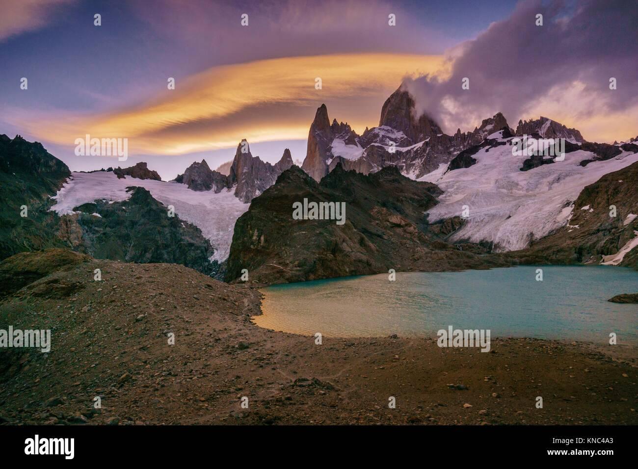 Monte Fitz Roy - Cerro Chaltén -, 3405 metropolitane, laguna de los Tres, Parque Nacional Los Glaciares, Patagonia, Immagini Stock