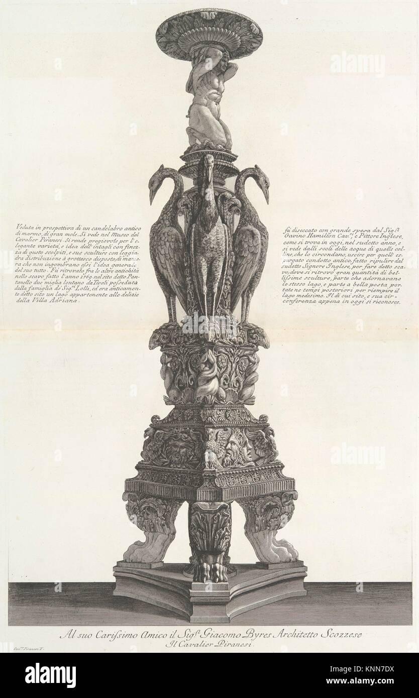Vista prospettica dello stesso candelabro, da 'vasi, candelabri, cippi, sarcofagi, tripodi, Lucerna, ed ornamenti Immagini Stock