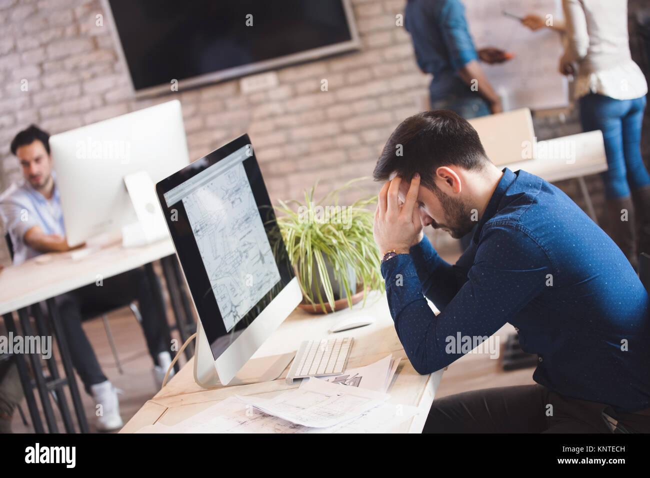 Foto Lavoro Ufficio : Lavoro e vita privata quanto stress ci portiamo a casa lady o