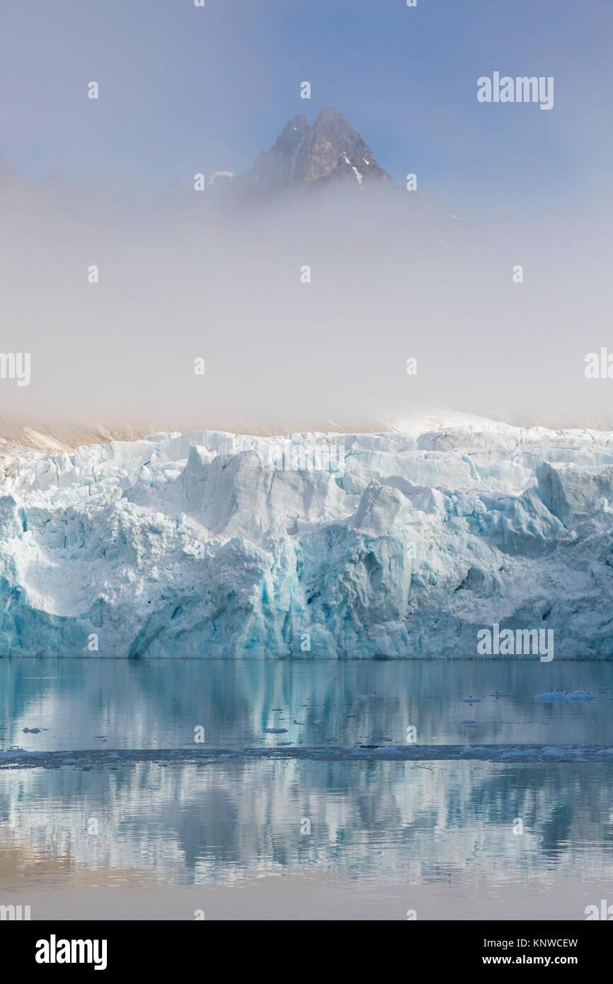 Wagonwaybreen, ghiacciaio in Albert I terreni a Spitsbergen / Svalbard parto in Magdalenefjorden, Norvegia Immagini Stock