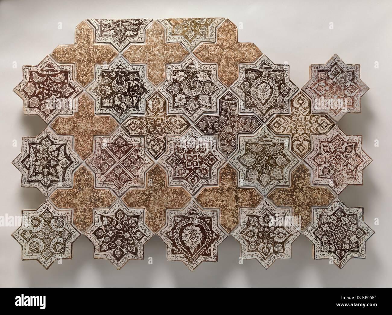 Pannello composto con piastrelle in forma di stelle ad otto punte