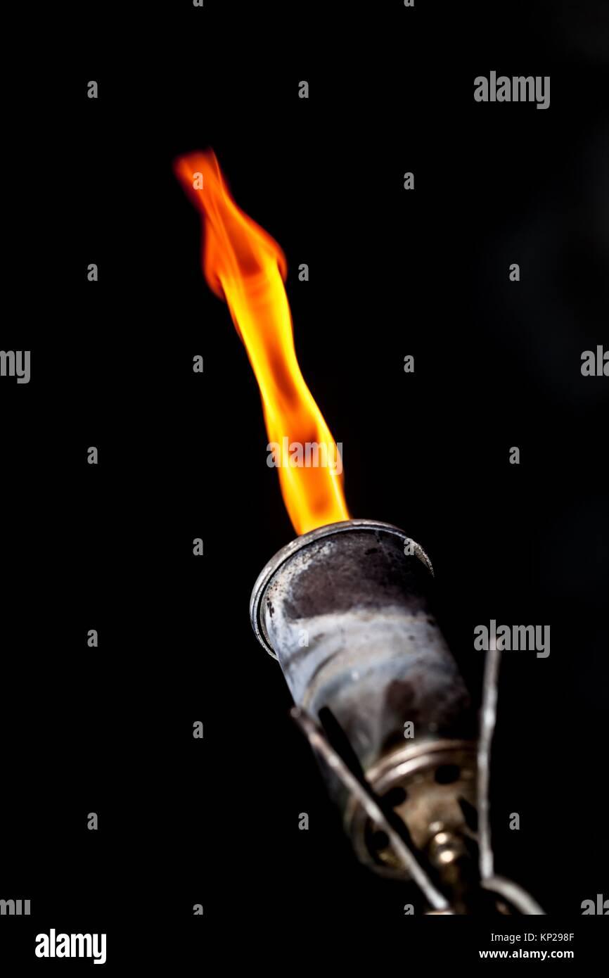 Torcia di saldatura sul fuoco Immagini Stock