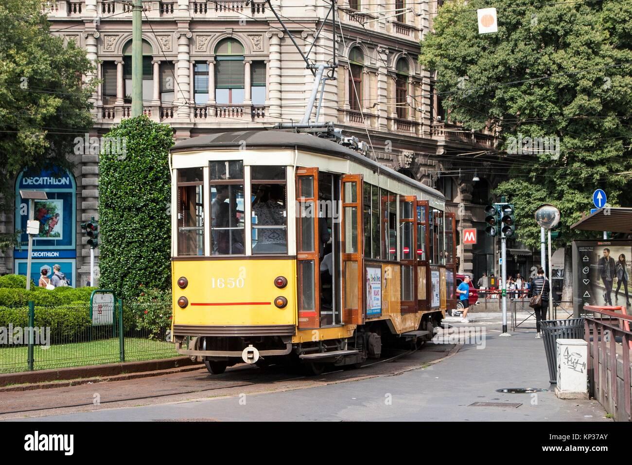 Tram, Largo Cairoli, Milano, lombardia, italia. Immagini Stock