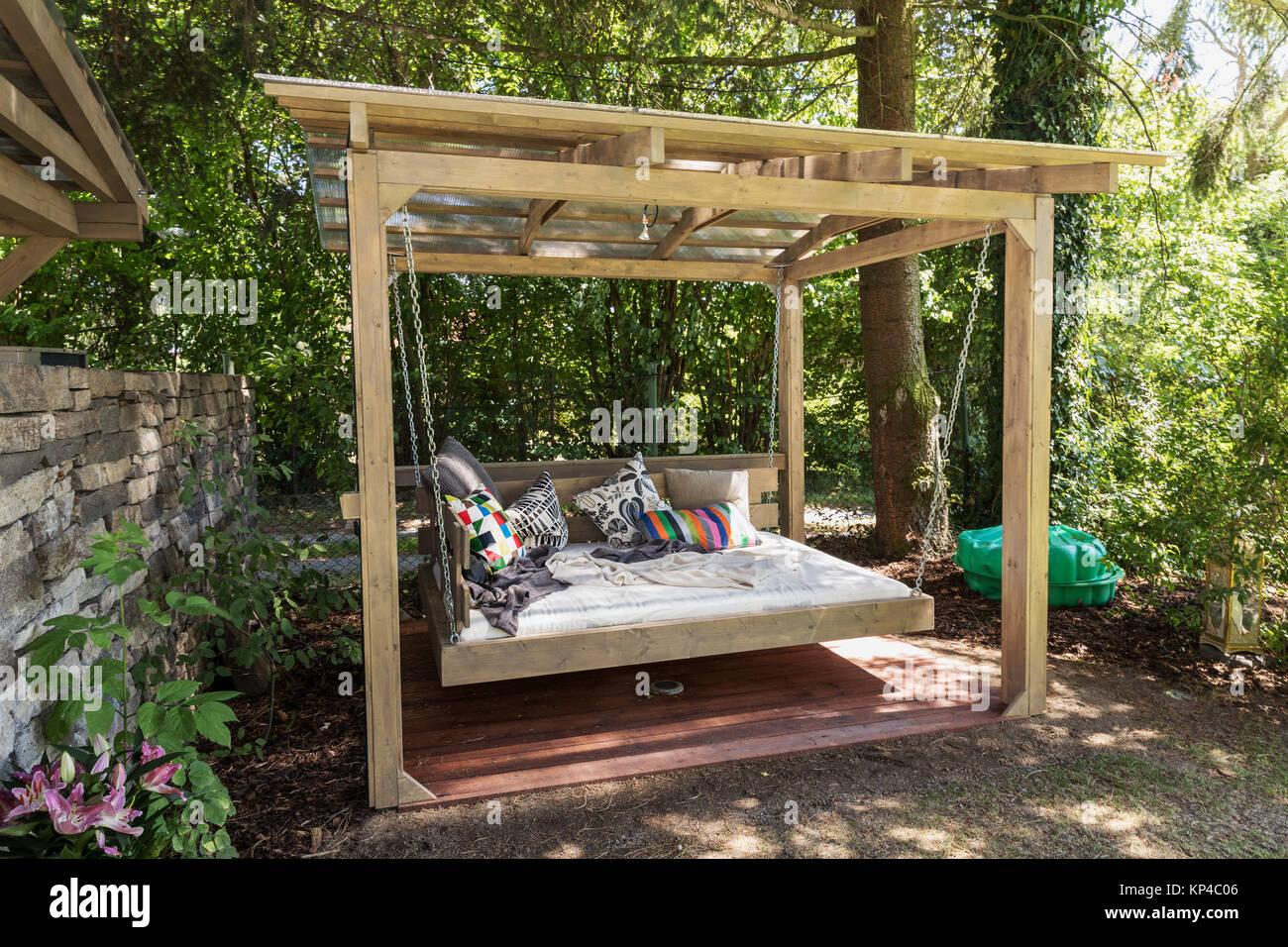 Swing big letto all 39 aperto chaise longue in giardino for Letto giardino