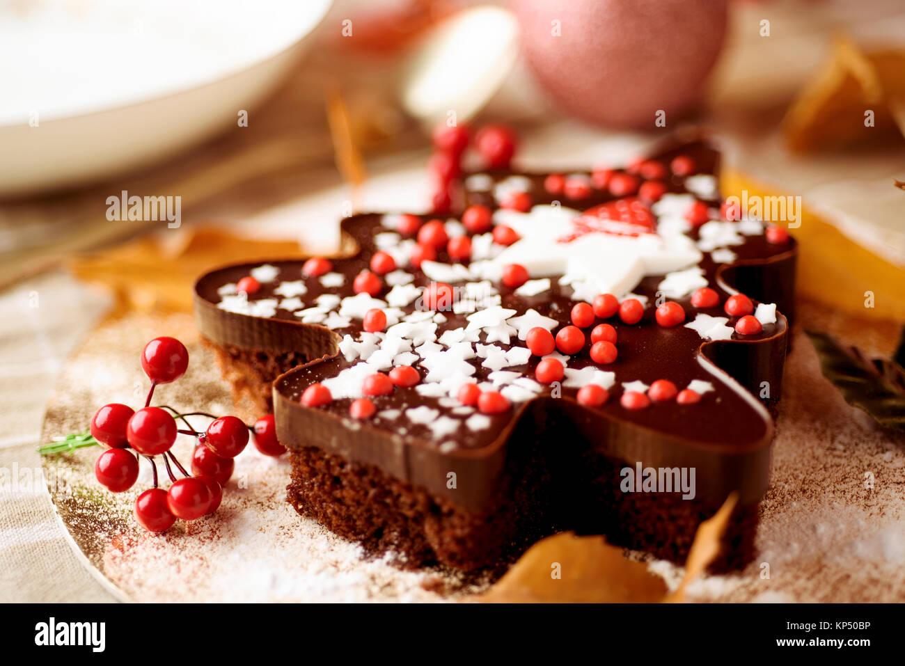 Torta A Forma Di Stella Di Natale.Primo Piano Di Una Torta Al Cioccolato A Forma Di Albero Di Natale