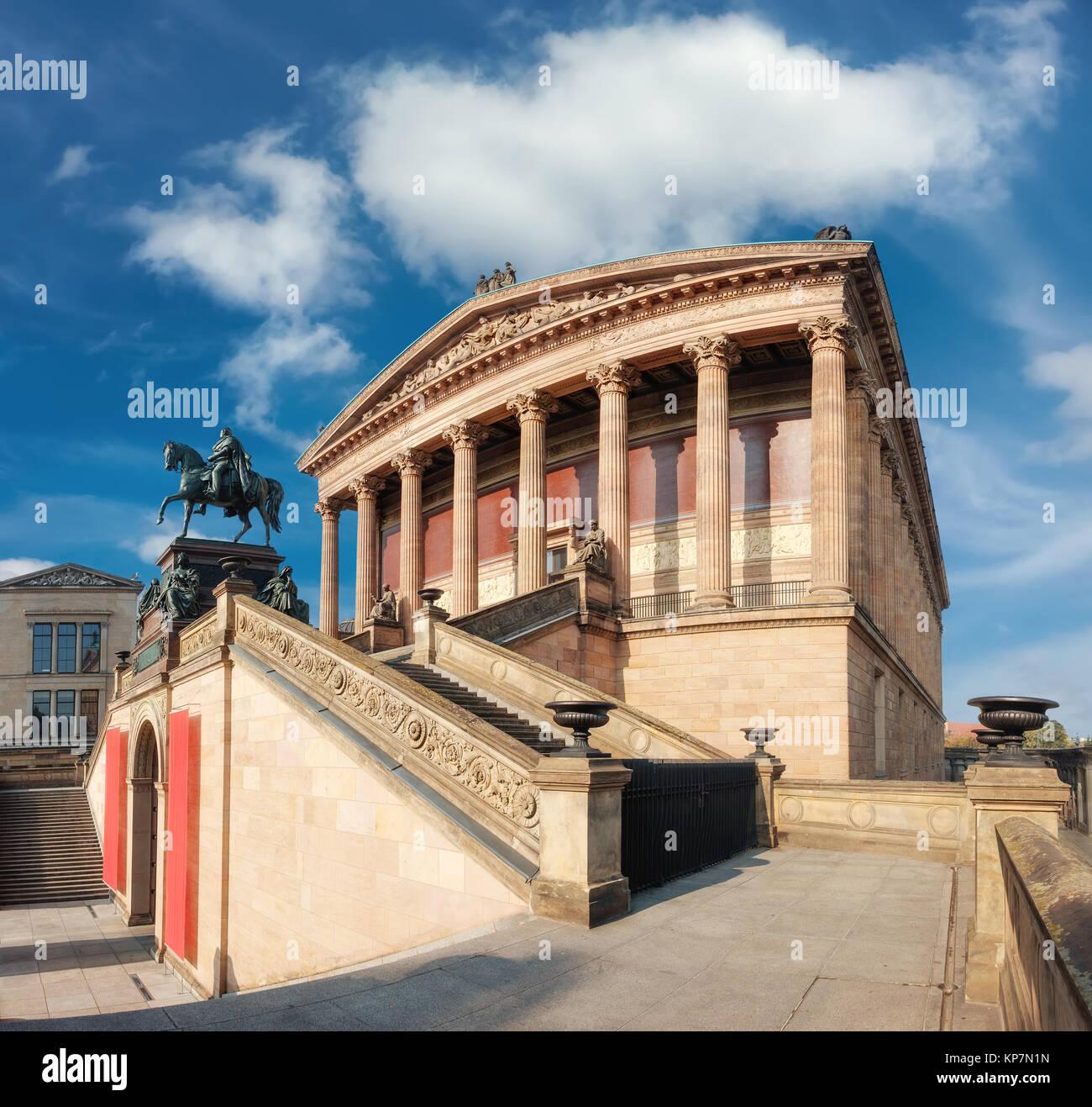 Vecchia Galleria Nazionale di Berlino in Germania, tre quarti view Immagini Stock