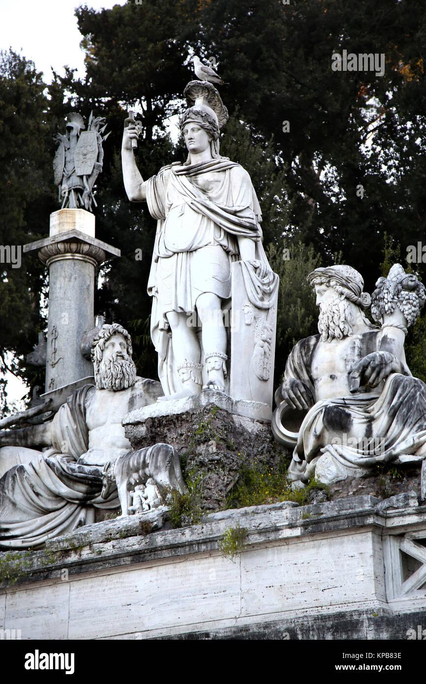 Fontana della Dea di Roma con il Tevere e Aniene, Piazza del Popolo a Roma, Italia Immagini Stock