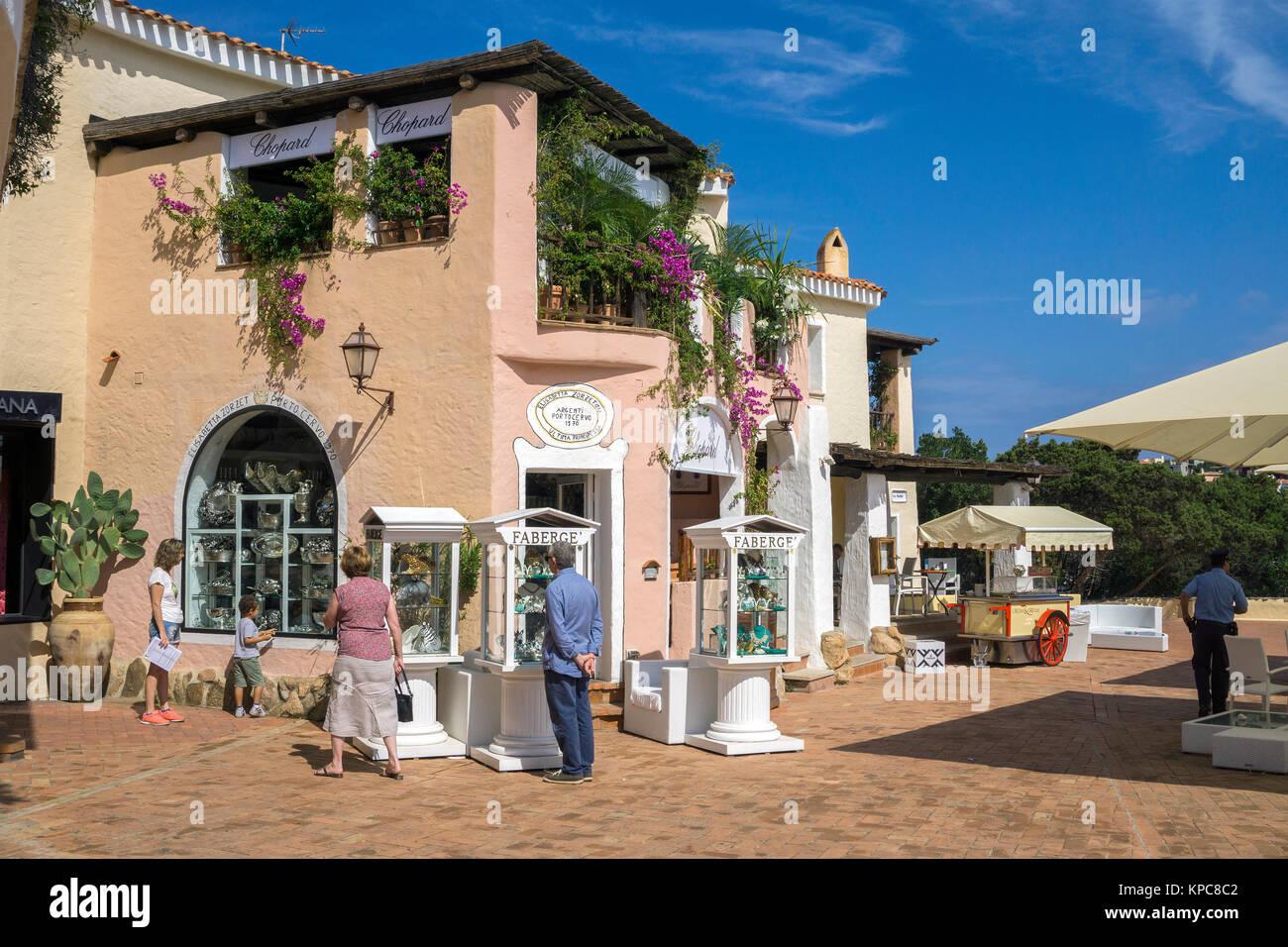 Case Stile Mediterraneo Sardegna : Case e negozi a porto cervo stile moresco destinazione di lusso