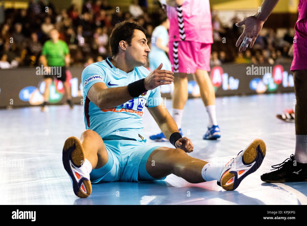 Leon, Spagna. 16 dicembre, 2017. Aitor Ariño (FC Barcelona) durante la partita di pallamano di spagnolo 2017/2018 Foto Stock