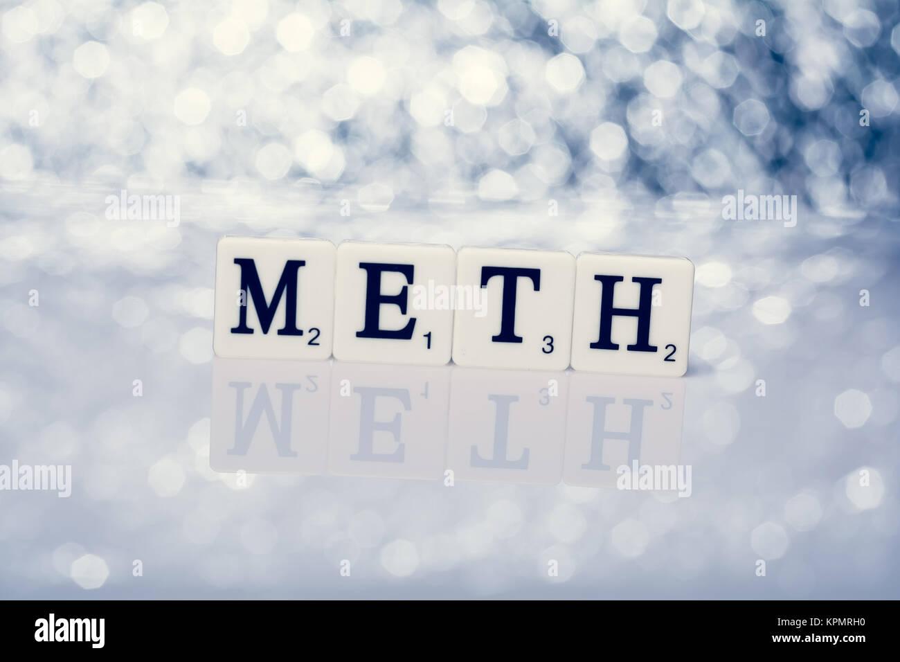 Parola scritta di piastrelle con lettere met foto immagine