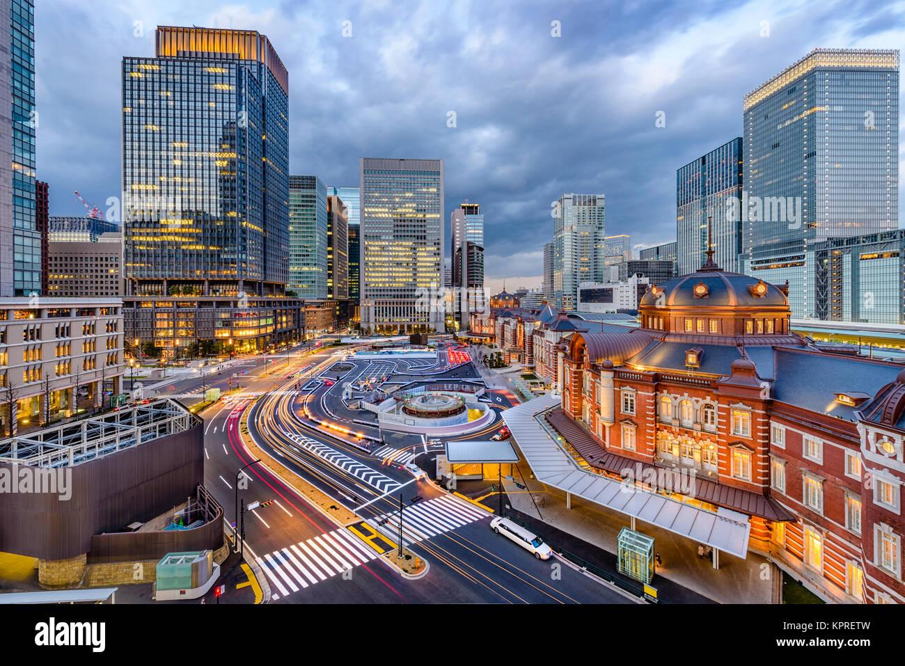 Tokyo, Giappone skyline oltre la stazione di Tokyo. Immagini Stock
