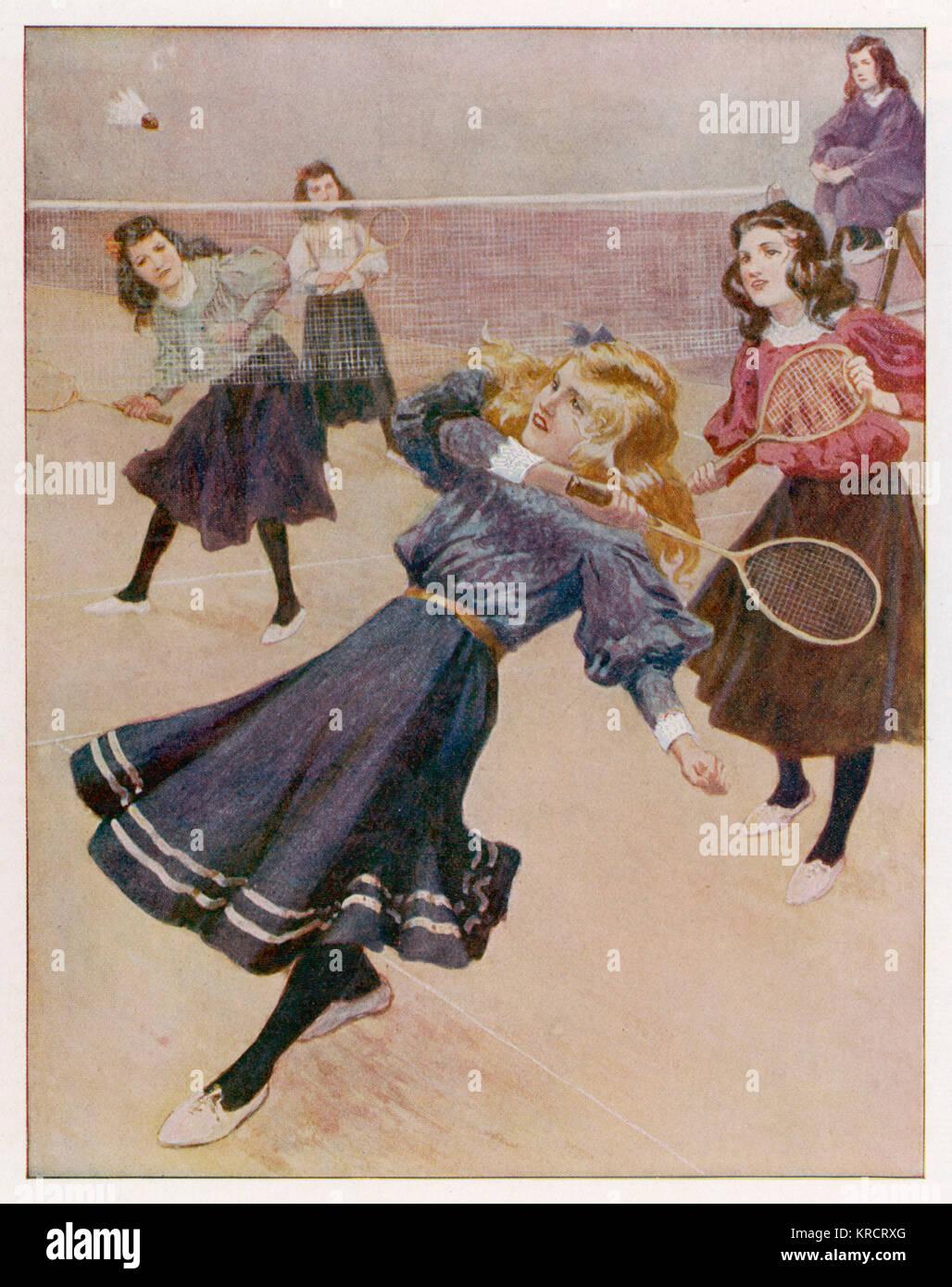 Le ragazze la riproduzione di badminton data: 1908 Immagini Stock