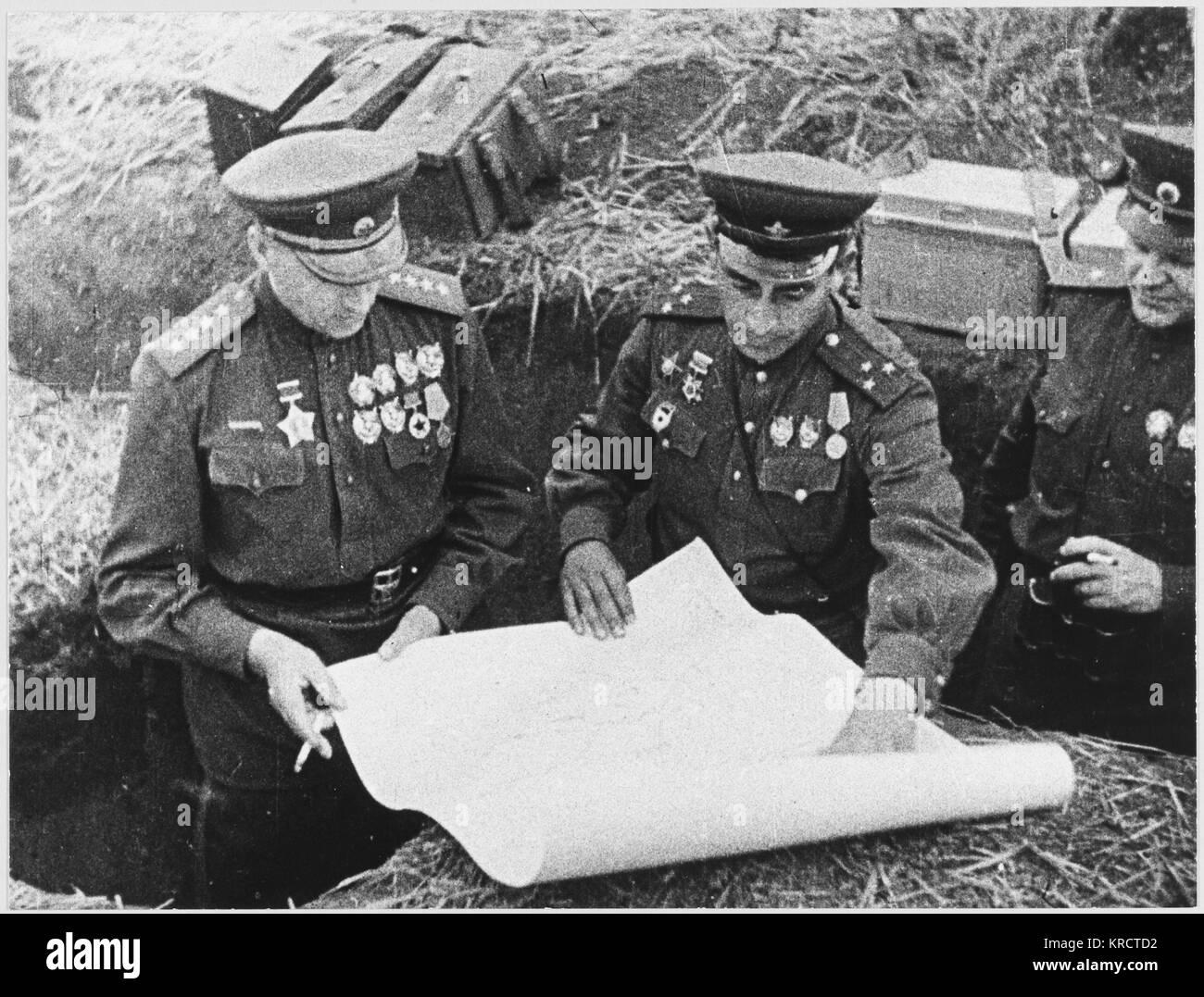 Il maresciallo Rokossovsky alla battaglia decisiva di Kursk, in corrispondenza della quale i tedeschi distribuito Immagini Stock