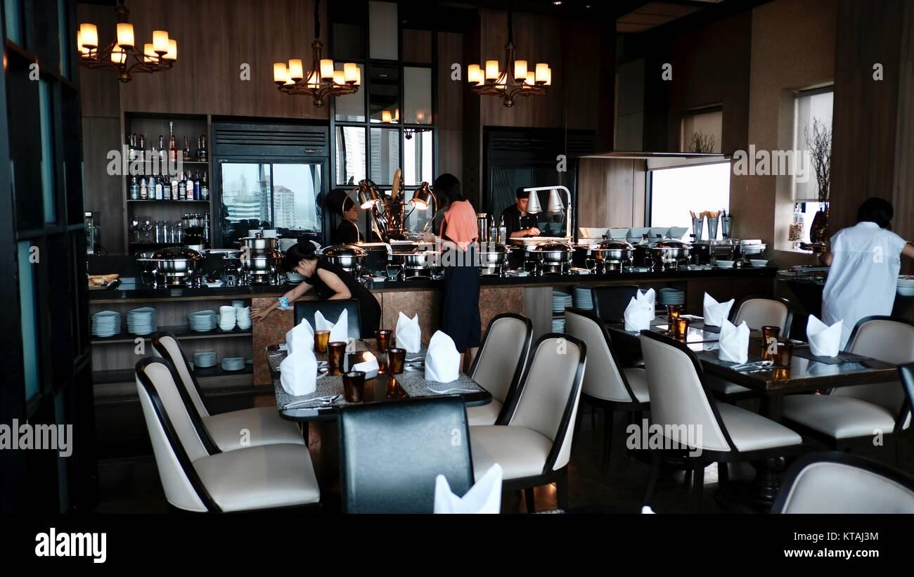 Il Continente Medinii Hotel italiano Ristorante a Buffet mozzafiato Awe-Inspiring bella luminosa e ariosa sala da Immagini Stock