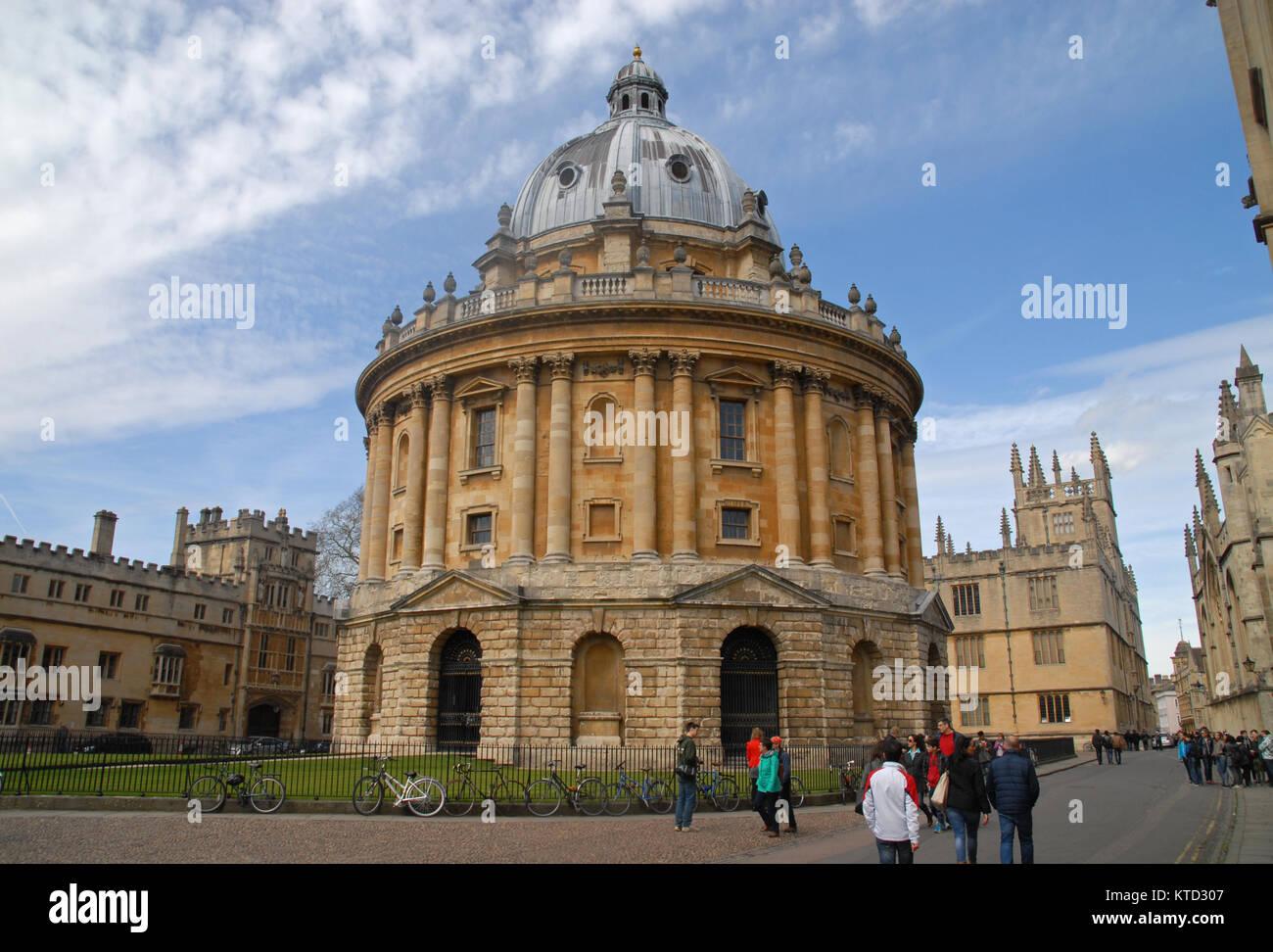 Oxford, Regno Unito - 12 Aprile 2015: Radcliffe Square, Brasenose College e Bodlian edificio della Biblioteca Immagini Stock