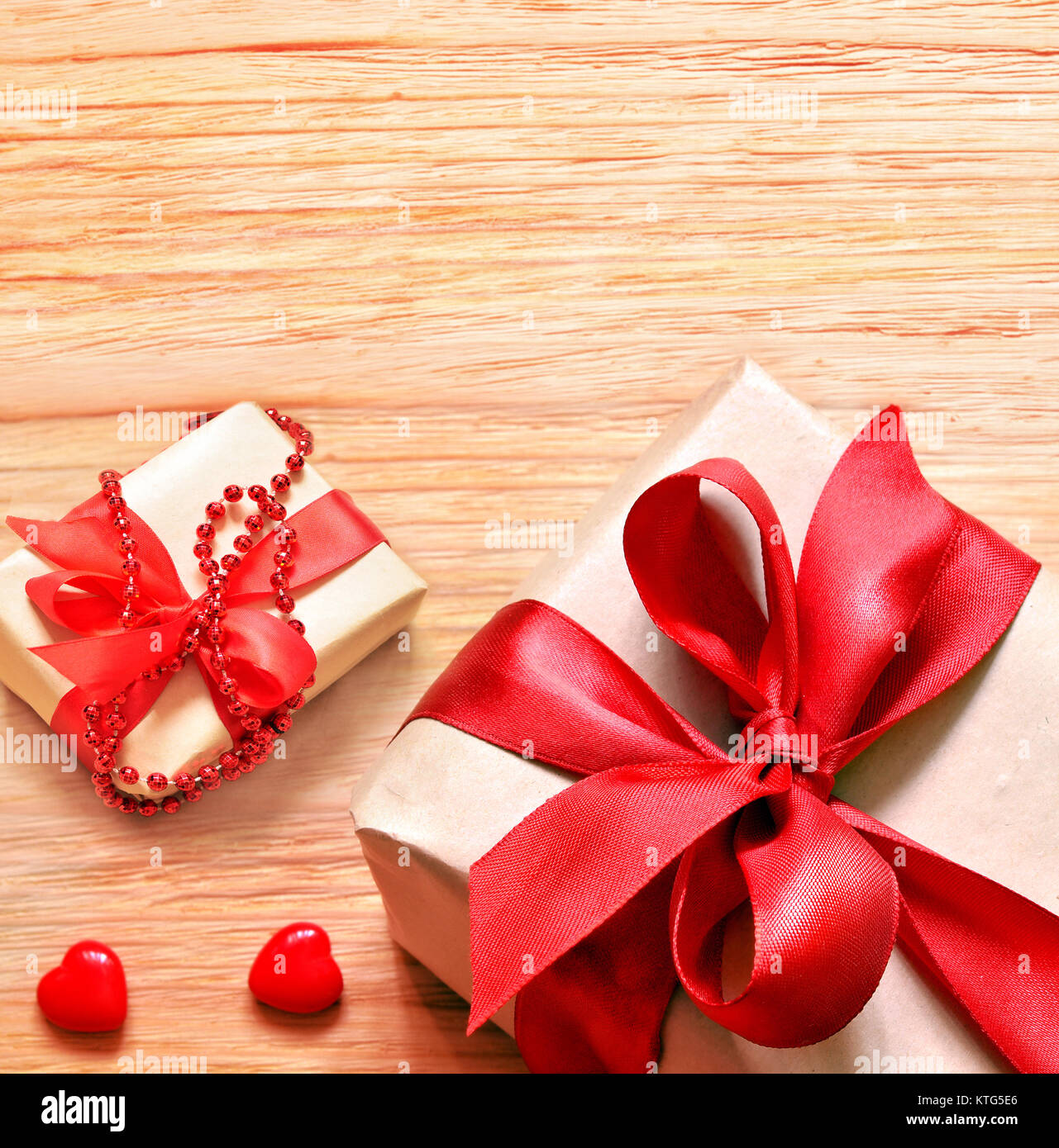 Il giorno di san valentino cuore giocattolo e confezione for Regalo tavolo milano
