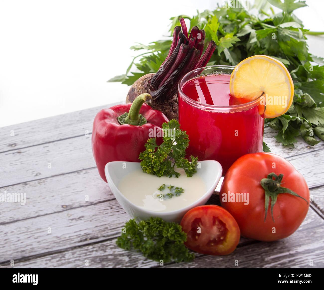 Rosso mix di verdure succhi di frutta Immagini Stock