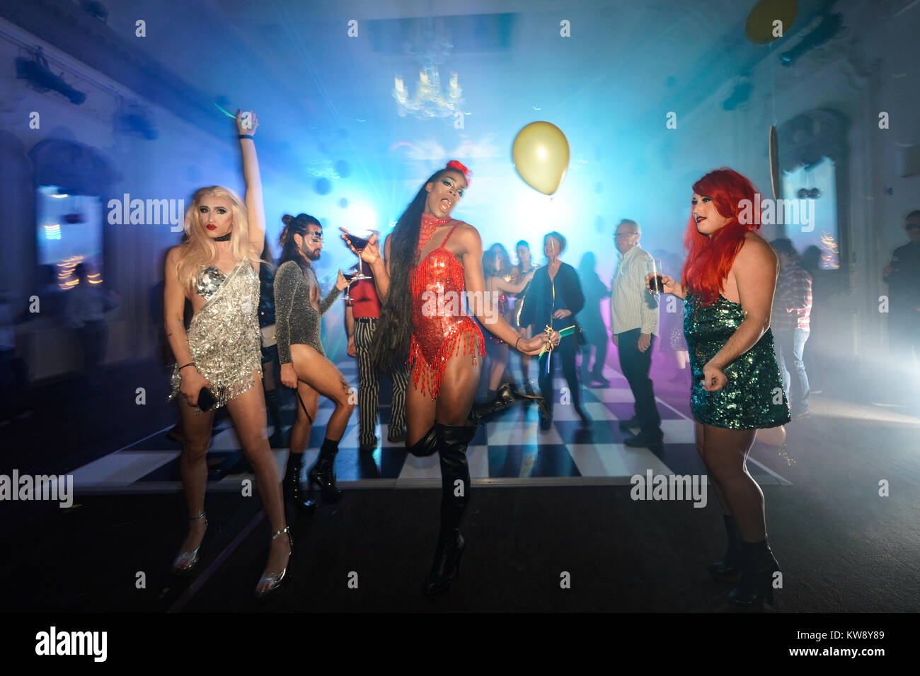 Drag Queen Club Immagini   Drag Queen Club Fotos Stock - Alamy 1908ee28f5e
