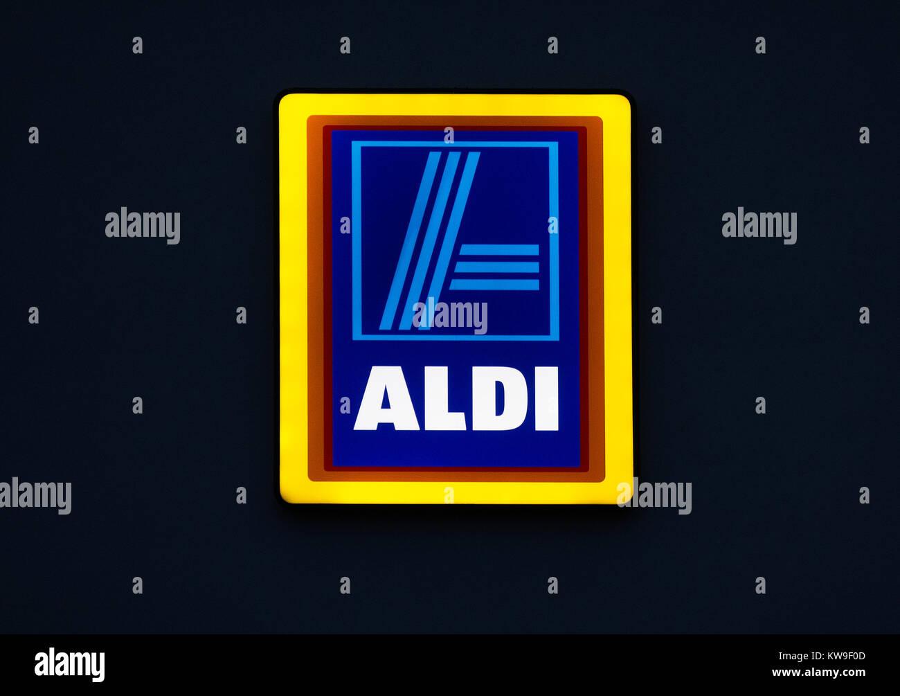 Aldi segno negozio logo azienda una luce al neon Immagini Stock