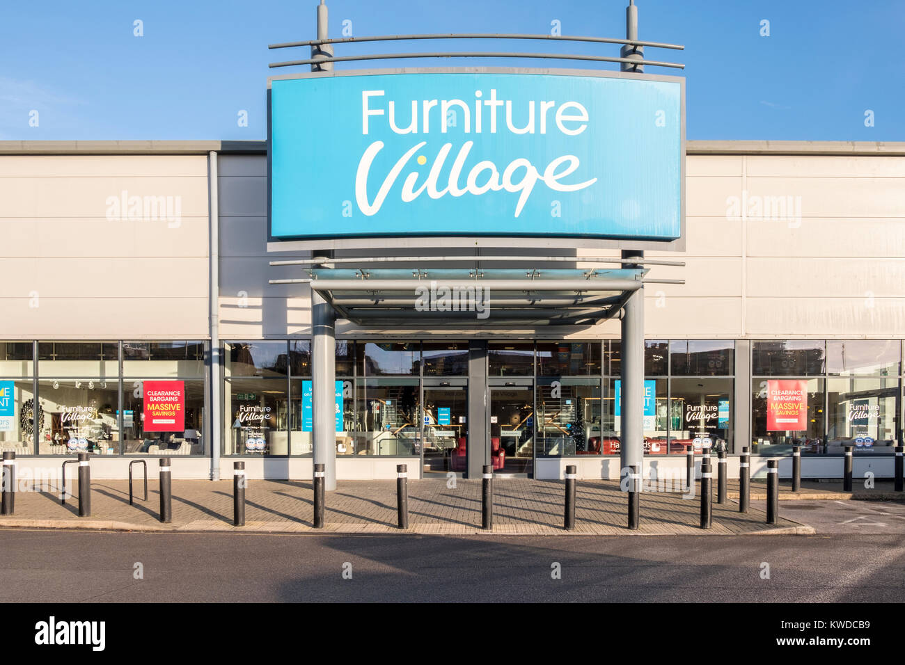 Arredamento negozio di paese ingresso, Reading, Berkshire, Inghilterra, GB, Regno Unito Immagini Stock