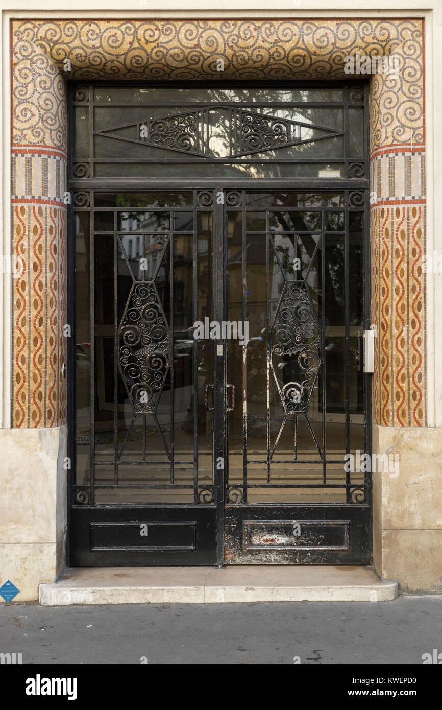 Il Ferro Battuto E La Porta Di Vetro Parigi Francia Foto