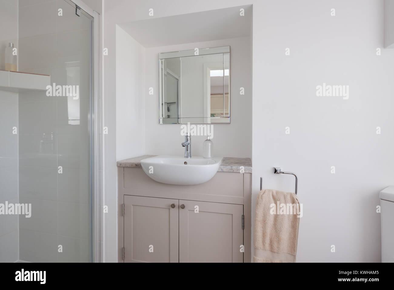 A parete o a soffitto i moderni soffioni doccia assicurano