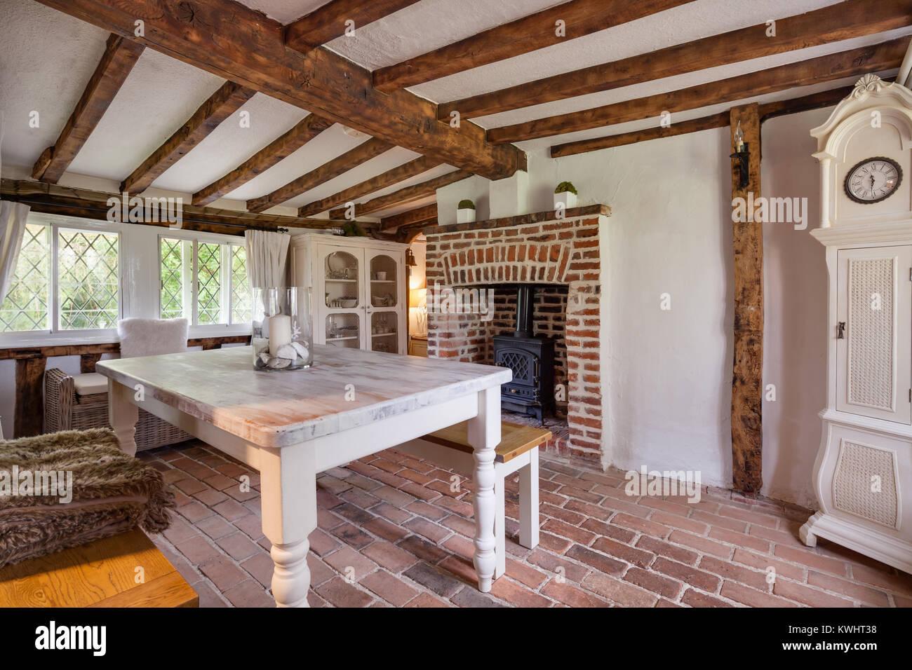 Rimodernato con gusto sala da pranzo allinterno del XVI secolo ...