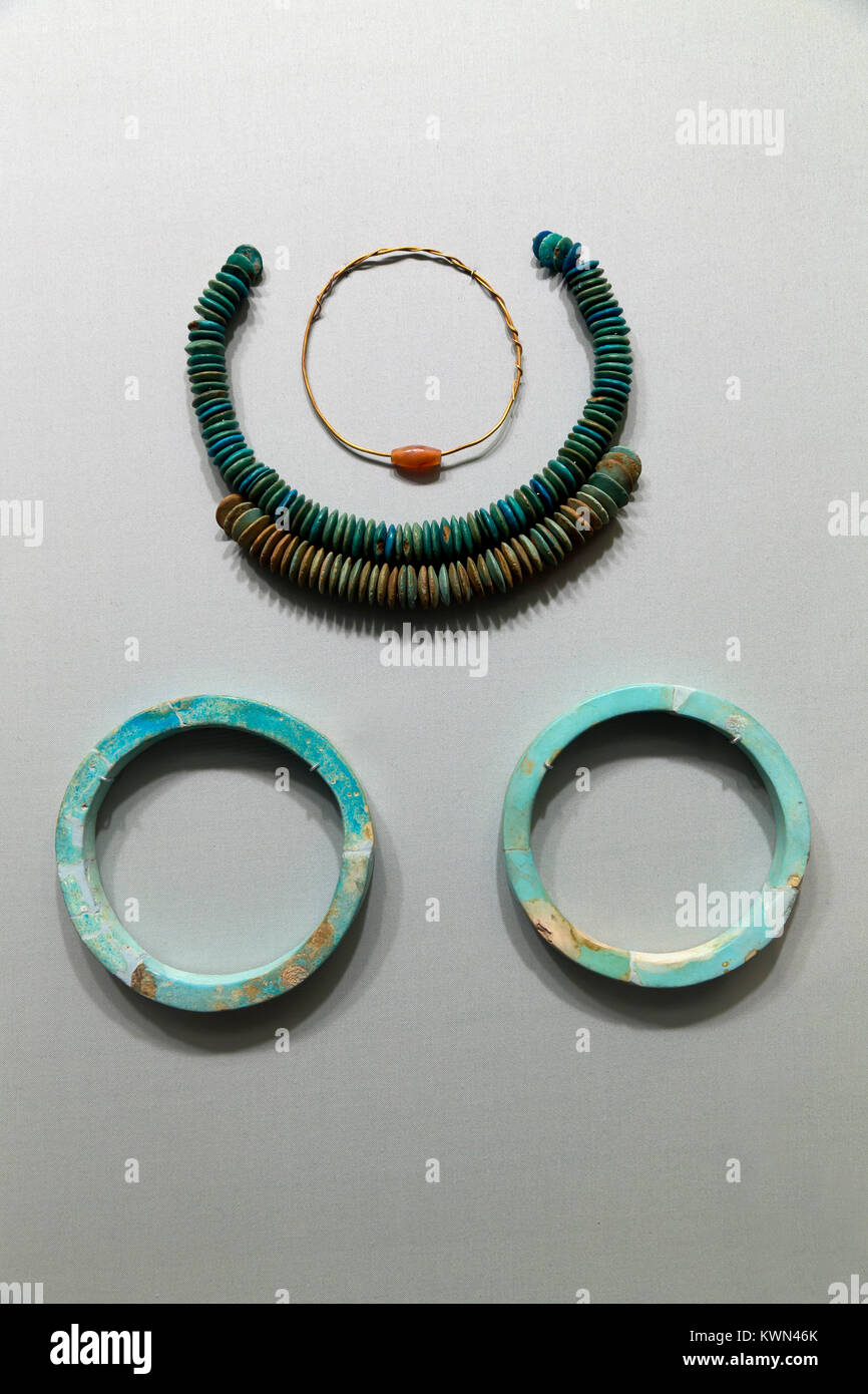 Faience bracciali e collane, Metropolitan Museum of Art, Manhattan, New York City, Stati Uniti d'America, America Immagini Stock