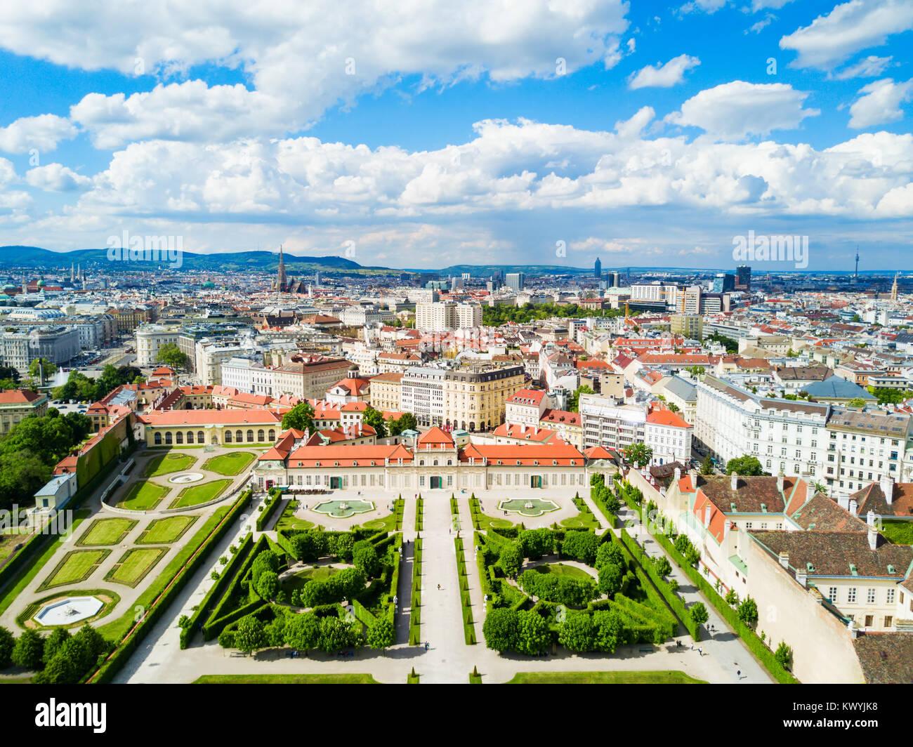 Il Palazzo del Belvedere antenna vista panoramica. Il Palazzo del Belvedere è un edificio storico complesso Immagini Stock