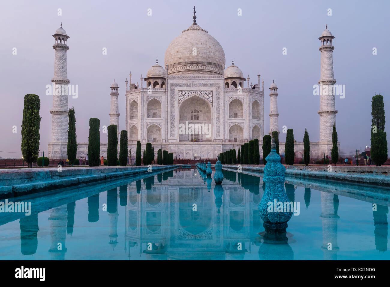 Taj Mahal nella luce della sera, Agra, Uttar Pradesh, India Immagini Stock