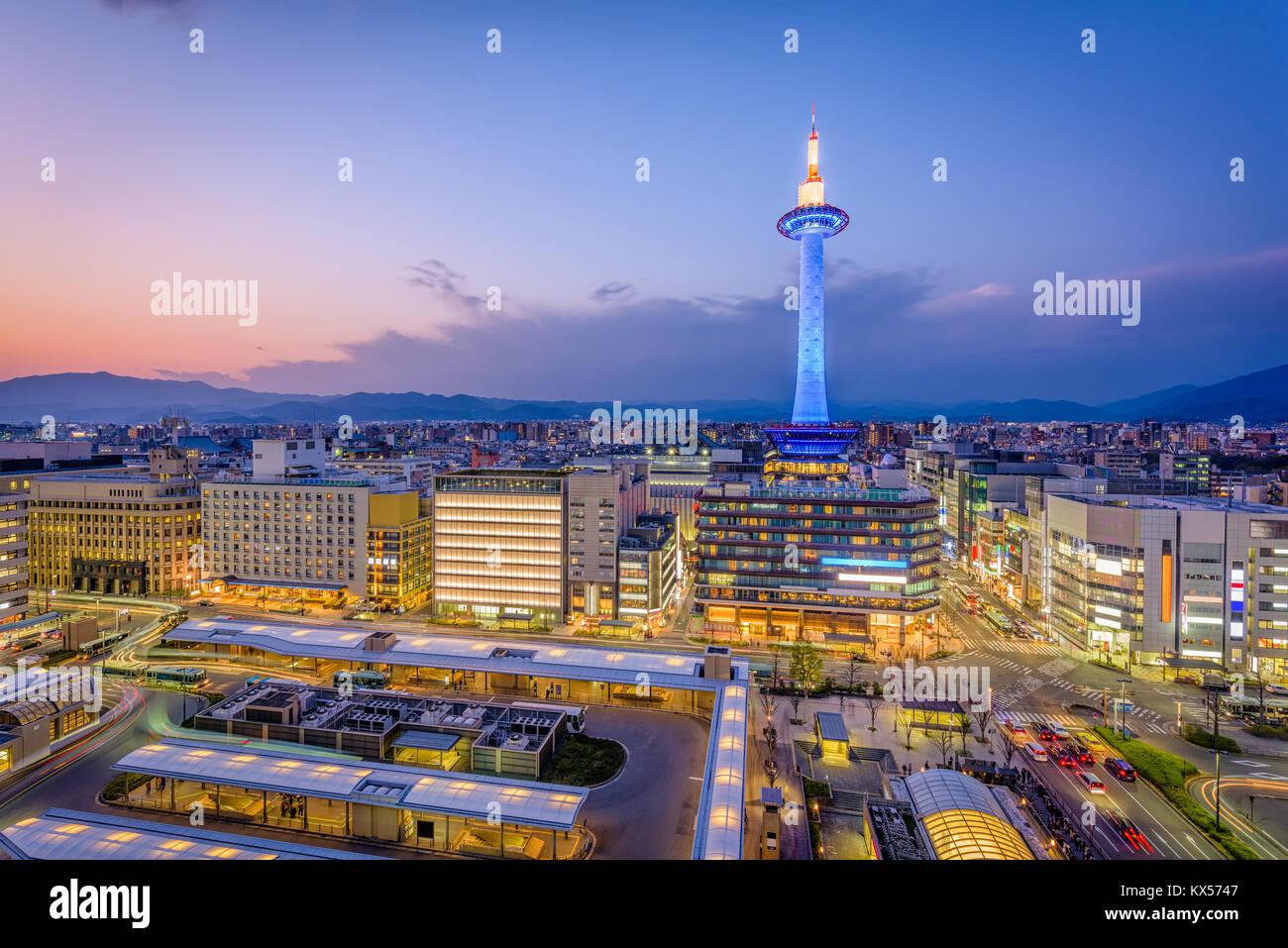 Kyoto, Giappone skyline del centro e la torre. Immagini Stock
