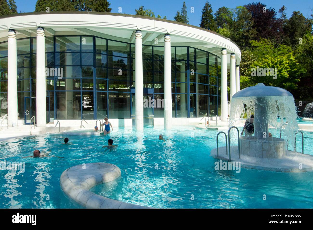 BRD, Baden-Württemberg, Baden-Baden, Caracalla Therme, ein Thermalbad, das 1983 bis 1985 nach Plänen des Immagini Stock