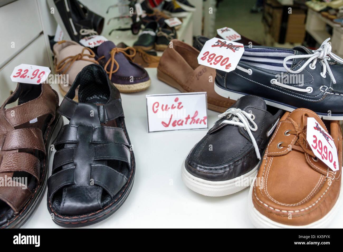 Porto Portogallo Baixa centro storico negozio scarpe negozi di calzature  scarpe uomo visualizzazione finestra di Immagini 6c9dbb50c2d
