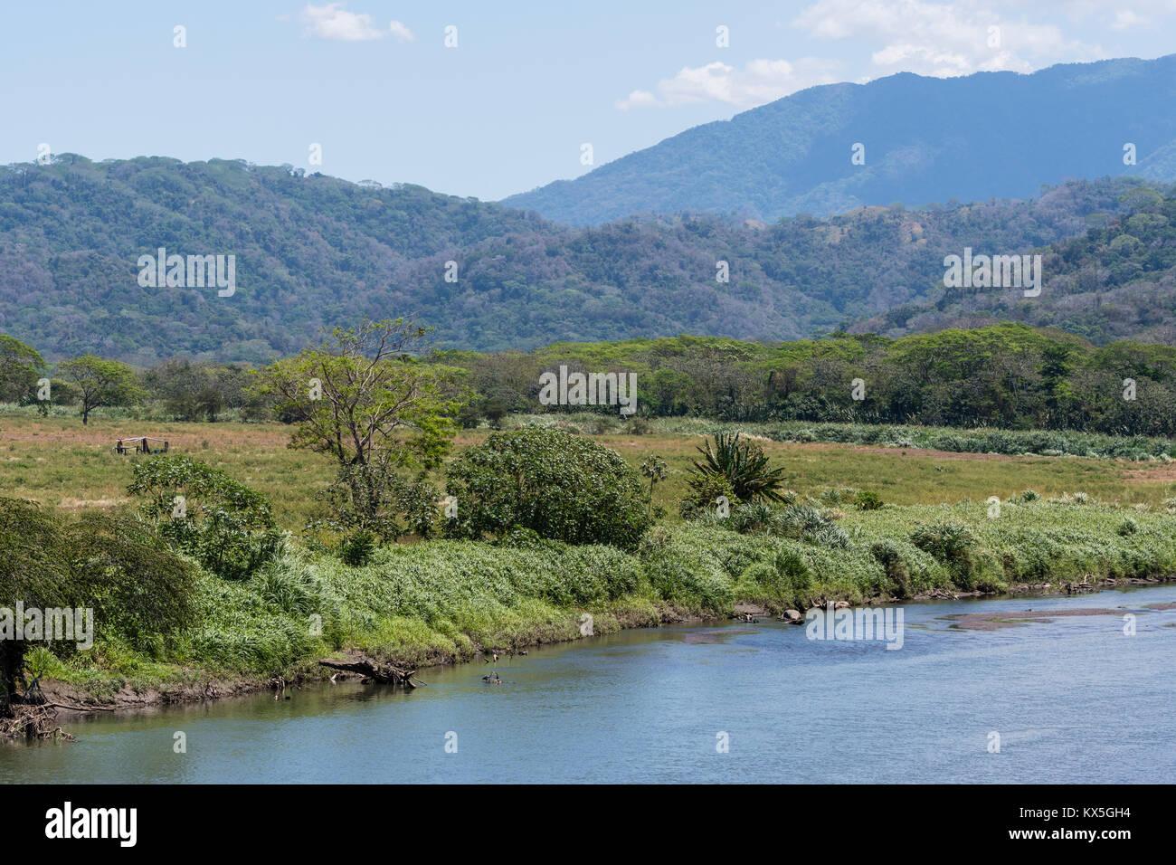 Rio Tarcoles, Carara National Park, provincia Puntarenas, Costa Rica Immagini Stock